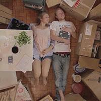 Screenshot - Kuntergrau - Dunkelbunt - Spielfilm | Regie Anna Roller